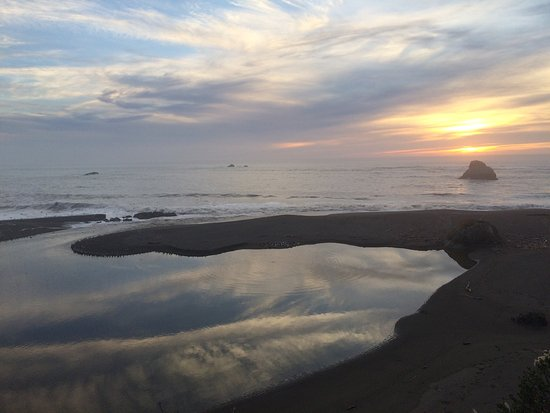 Jenner, CA: Totally unexpected - perfect memorable sunset view
