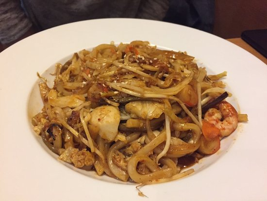 Spicy Seafood Yaki Udon - Picture of Hachi Hachi Bistro ...