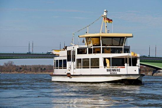 Personenfähre Rheinnixe Bonn - Beuel