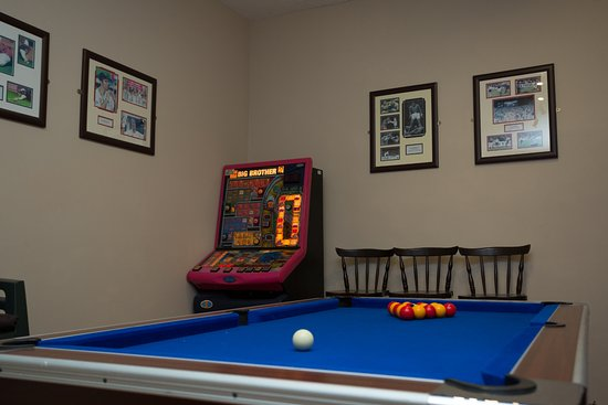 Boyce Hotel: Games room