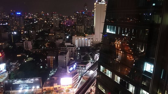 The Continent Hotel Bangkok by Compass Hospitality: スカイルームからの眺望