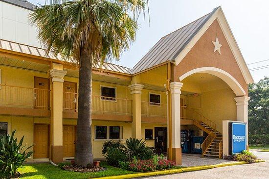 Rodeway Inn & Suites Medical Center: Exterior