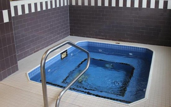 Barrie, Canada: Hot Tub