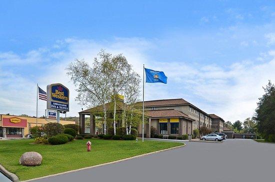 Best Western Ambassador Inn & Suites : Exterior