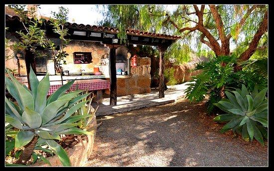 Casa La Venta: barbacoa- jardín