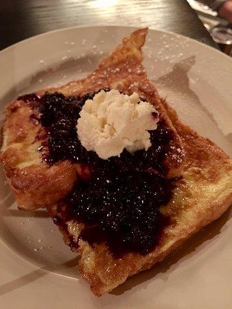 The Green Park Inn: Breakfast off a menu included