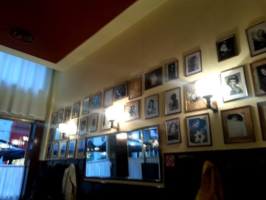 A faixada do restaurante - Picture of a Santa Lucia, Milan - TripAdvisor