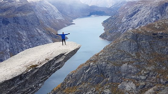 Odda, Noruega: Atop the mighty Trolltunga