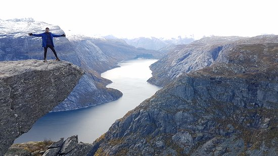 Одда, Норвегия: Atop the mini trolltunga