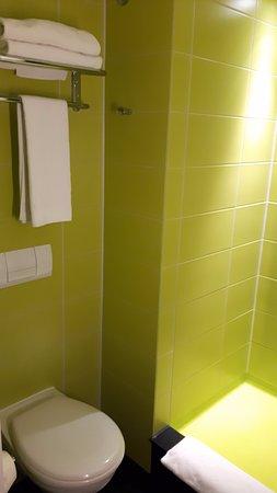 Hotel Gat Point Charlie: bagno