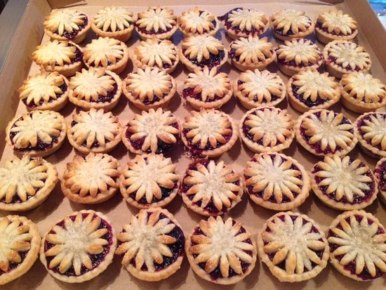 Claremont, CA: Mini Berry Pies