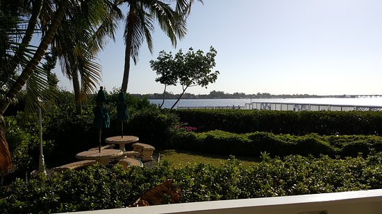 Tradewinds Beach Resort: View of Sarasota Bay from the 2nd story huge porch of the 2/2 unit.