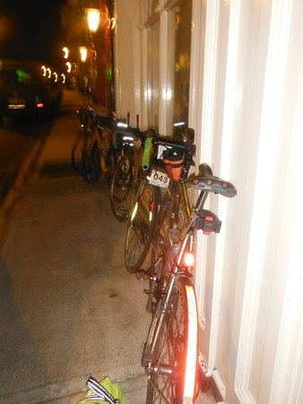 Louisburgh, Ireland: Late night arrival by bike after about 250km of riding