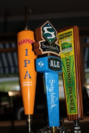 Nipper's Cafe & Steakhouse: beers on tap - rotate