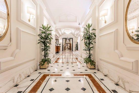 Hotel Archimede: hall
