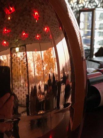 Collana Bar e Caffe: Besonders die Beleuchtung hat es in sich