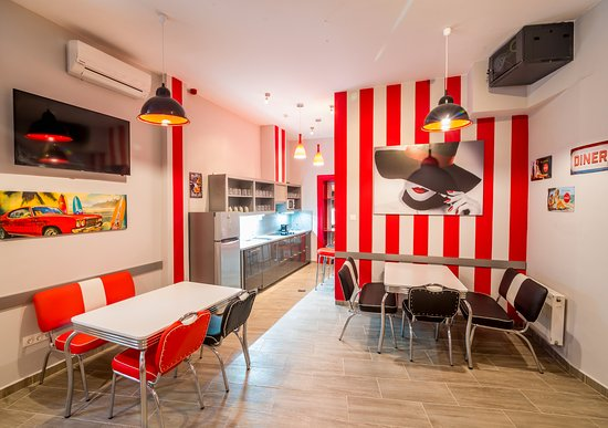 Full moon design hostel budapest ungarn vandrerhjem for Design hotel ungarn