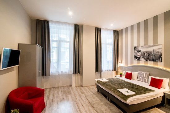Full moon design hostel budapest ab chf 43 c h f 5 8 for Design hotel ungarn