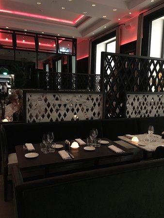 Intérieur - Picture of Cafe de l\'Homme, Paris - TripAdvisor