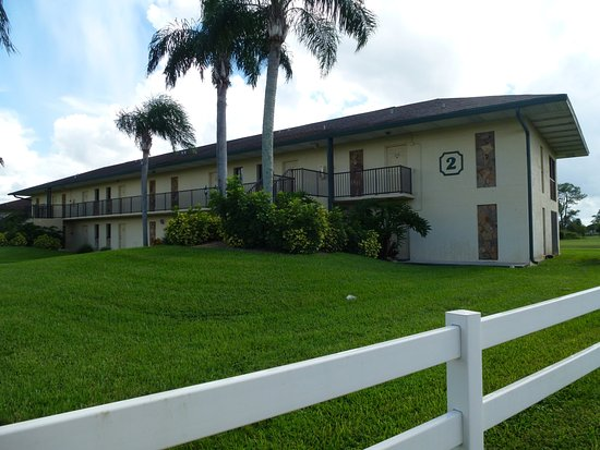 Lehigh Acres, Флорида: Our building