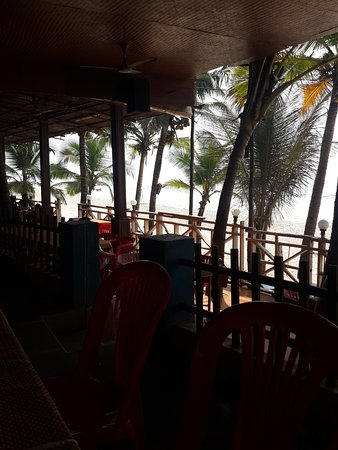 Furtado's Restaurant: Sea View