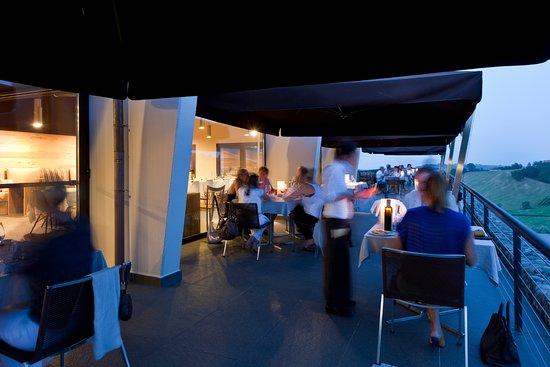 Terrazza ristorante - Picture of Agriturismo Opera 02, Castelvetro ...