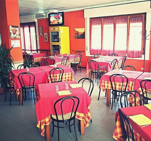Sant'Arcangelo, İtalya: La Perla Nera Ristorante Pizzeria