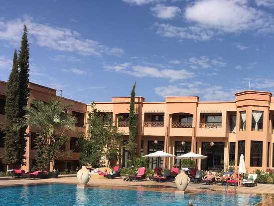 Zalagh Kasbah Hotel and Spa: Hotellets pool.