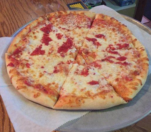 Pittston, Пенсильвания: Very Good Round Pizza