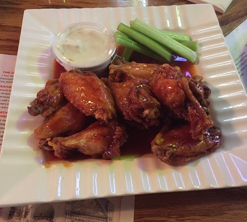 Pittston, Пенсильвания: Wings with Skeeter Sauce