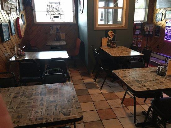 Pittston, Пенсильвания: Bar Area Seating