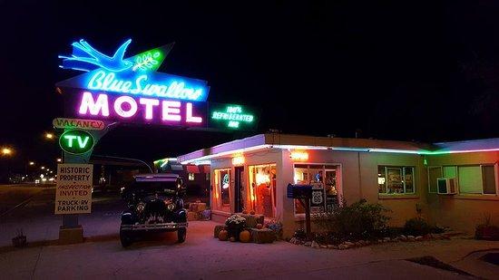 Blue Swallow Motel Photo