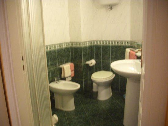Provincia di Vibo Valentia, Italia: Bad Zimmer 2