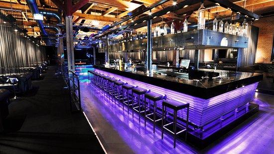 Bar nextdoor event venue foto van the harbour club amsterdam
