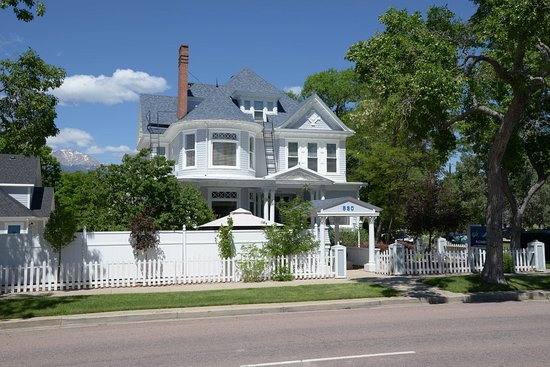 The St. Mary's Inn, Bed and Breakfast: From the front (Nevada Avenue) view