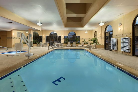 Embassy Suites By Hilton Kansas City International Airport: Indoor Pool And  Whirlpool