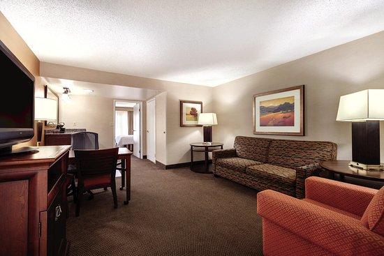Milpitas, كاليفورنيا: Premium Guest Suite Bedroom