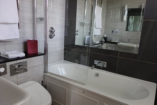 Laura Ashley Hotel The Belsfield Bathroom Suite 26