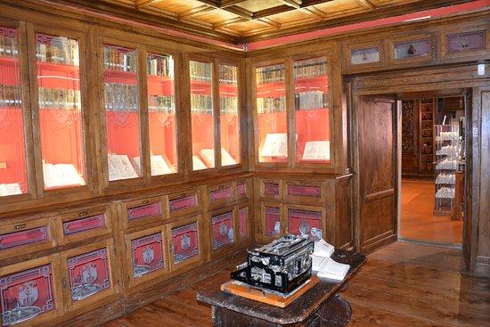 Antica Farmacia Dei Monaci Camaldolesi.Antica Farmacia Di Camaldoli Foto Di Antica Farmacia Di Camaldoli Tripadvisor