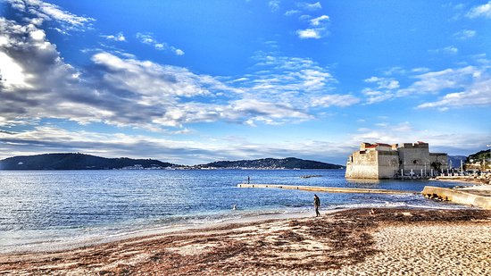 plage du lido au mourillon toulon var france photo de plages du mourillon toulon. Black Bedroom Furniture Sets. Home Design Ideas