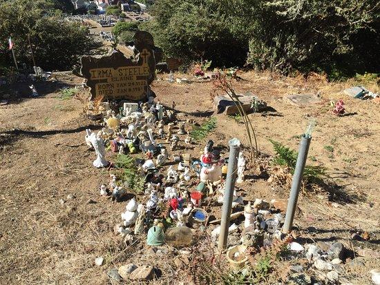 Ferndale, CA: Unusual grave sight.