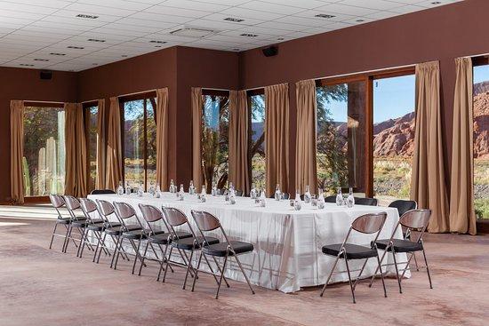 Alto Atacama Desert Lodge & Spa: Conference room- Directory Table