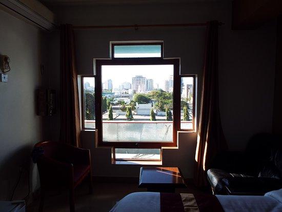 Hotel Raha Tower: 日当たり、眺めも良い
