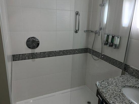 Magor, UK: Shower