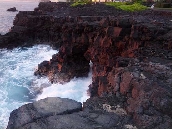 Wyndham Mauna Loa Village: View of coastline near the resort