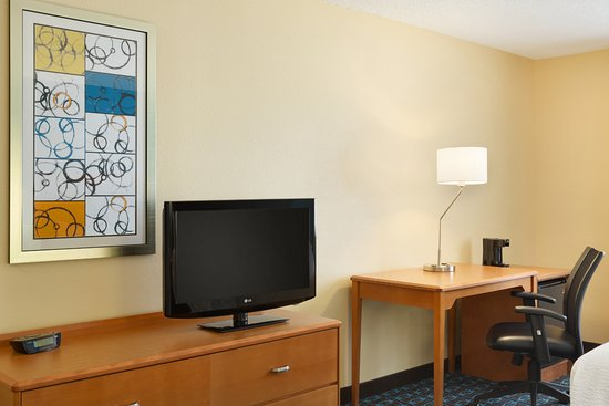 Fairfield Inn Colorado Springs Air Force Academy: Queen/Queen Amenities
