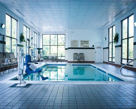 hampton inn suites columbus hilliard 105 1 2 3. Black Bedroom Furniture Sets. Home Design Ideas