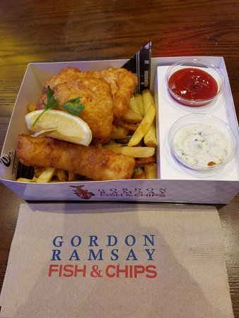 Fish n chips picture of gordon ramsay fish and chips for Gordon ramsay las vegas fish and chips