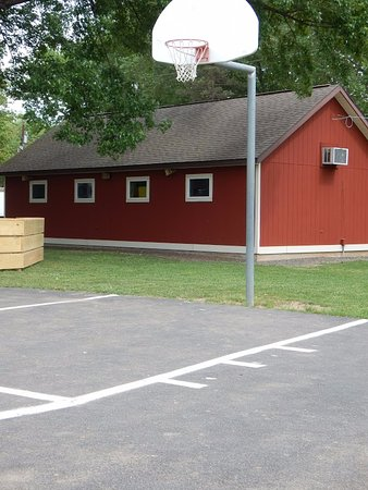 Entrance - Picture of Yogi Bear's Jellystone Park Camp-Resort Gardiner, Gardiner - Tripadvisor