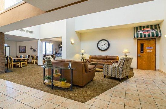 Saint Cloud, MN: Lobby